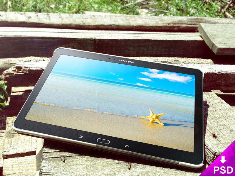 Samsung Galaxy Tab 5 Wood Mockup freebie